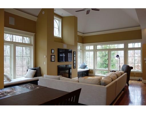 独户住宅 为 销售 在 2 Meadow Pond Lane 纳迪克, 马萨诸塞州 01760 美国