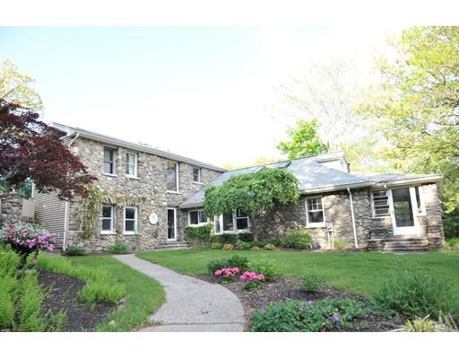 独户住宅 为 销售 在 167 East Main Street 诺斯伯勒, 马萨诸塞州 01532 美国