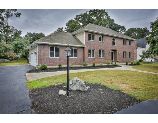 Single Family Home for Sale at 16 Enos Circle Reading, Massachusetts 01867 United States