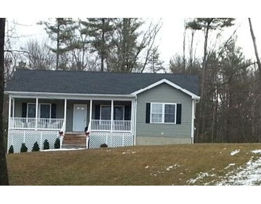 独户住宅 为 销售 在 130 Gilbertville Road Ware, 马萨诸塞州 01082 美国