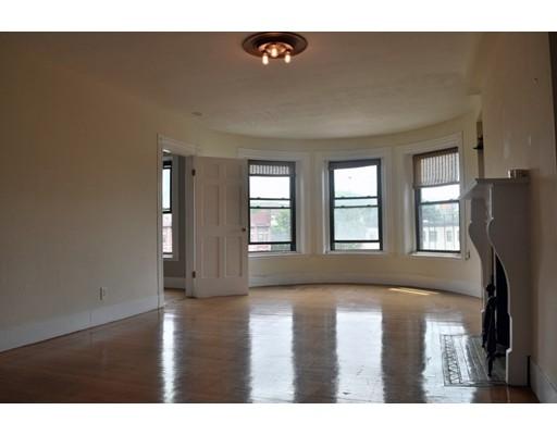 独户住宅 为 出租 在 918 Beacon Street 波士顿, 马萨诸塞州 02215 美国