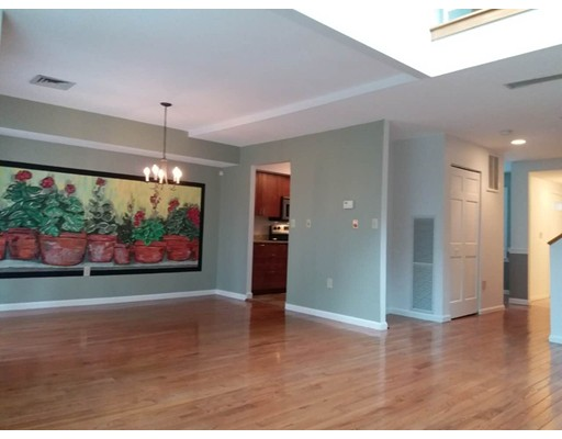 Additional photo for property listing at 80 Harbourside Road  Quincy, Massachusetts 02171 United States