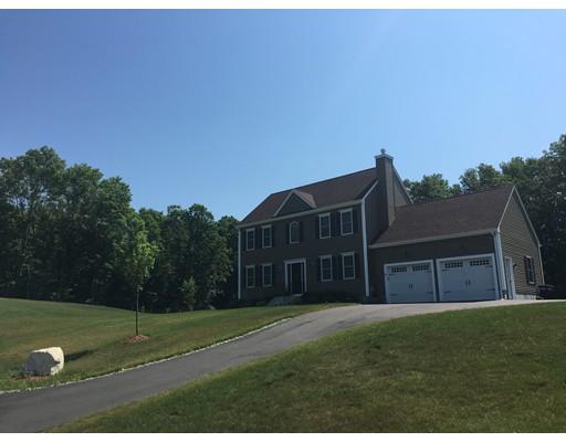 Maison unifamiliale pour l Vente à 6 Sycamore Blackstone, Massachusetts 01504 États-Unis