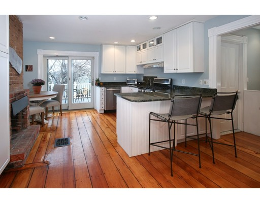 Single Family Home for Sale at 7 Concord Avenue Boston, Massachusetts 02129 United States