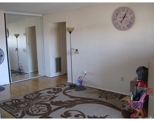 Casa Unifamiliar por un Alquiler en 8 Shrewsbury Green Drive Shrewsbury, Massachusetts 01545 Estados Unidos