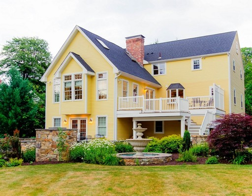 9 Olde Coach Rd, Westborough, MA 01581