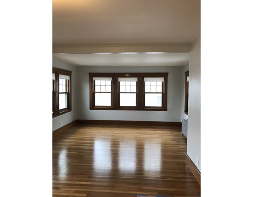 Additional photo for property listing at 26 Edgecliff Road  Watertown, Massachusetts 02472 United States