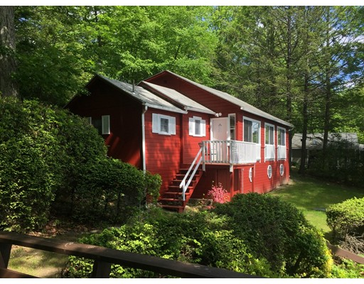 Additional photo for property listing at 6 West Shore Road 6 West Shore Road Westhampton, Massachusetts 01027 États-Unis