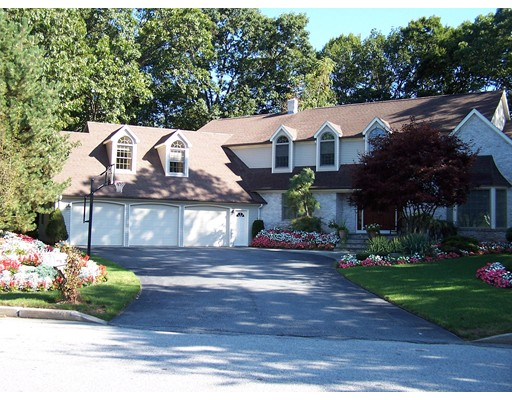 Single Family Home for Sale at 175 Hines Farm Road Cranston, Rhode Island 02921 United States