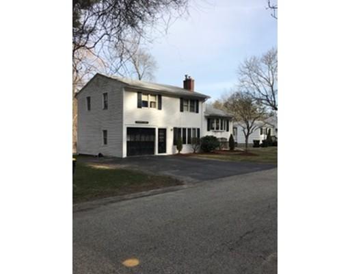 Maison unifamiliale pour l Vente à 11 Argyle Avenue Avon, Massachusetts 02322 États-Unis