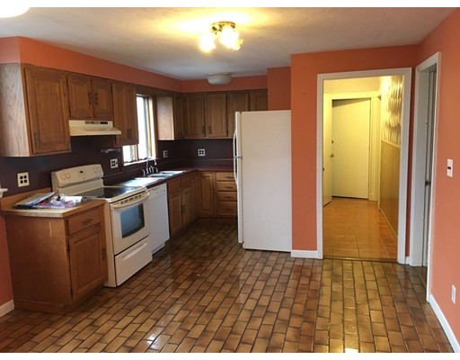 Additional photo for property listing at 28 William Street  Medford, Massachusetts 02155 Estados Unidos