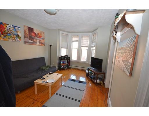 独户住宅 为 出租 在 44 Delle Avenue 波士顿, 马萨诸塞州 02120 美国