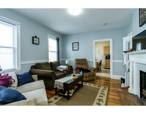 Additional photo for property listing at 40 Newcastle Road  Boston, Massachusetts 02135 Estados Unidos