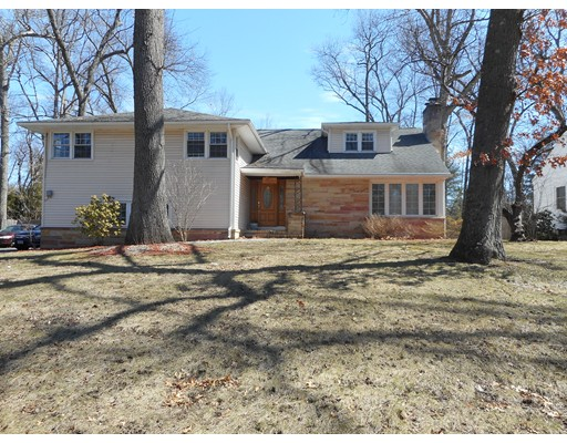 Single Family Home for Sale at 79 Lynnwood Drive Longmeadow, Massachusetts 01106 United States