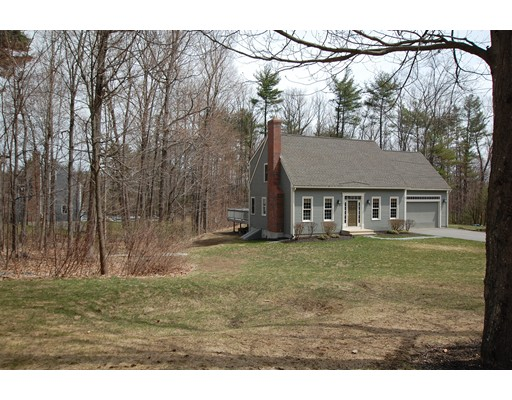 Single Family Home for Sale at 5 Stuart Road Sterling, Massachusetts 01564 United States