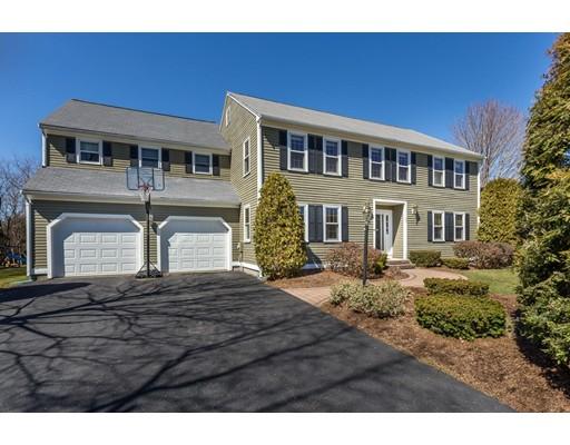 Maison unifamiliale pour l Vente à 70 Devon Street Taunton, Massachusetts 02780 États-Unis