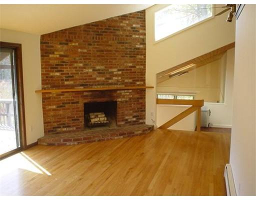 Casa Unifamiliar por un Alquiler en 6 Karen Circle Hudson, Massachusetts 01749 Estados Unidos