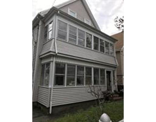 Maison unifamiliale pour l à louer à 32 Everett Everett, Massachusetts 02149 États-Unis