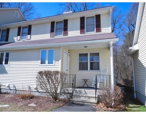 Кондоминиум для того Продажа на 215 Oldefield Farms Enfield, Коннектикут 06082 Соединенные Штаты