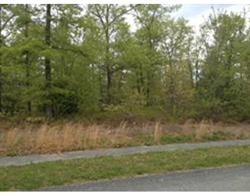 Single Family Home for Sale at 73 Jordan Lane 73 Jordan Lane Freetown, Massachusetts 02717 United States