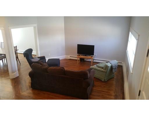 独户住宅 为 出租 在 44 Gladstone 波士顿, 马萨诸塞州 02128 美国