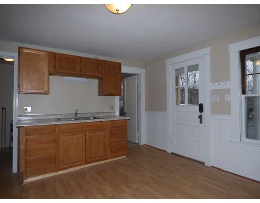 独户住宅 为 出租 在 127 Central Street Leominster, 01453 美国