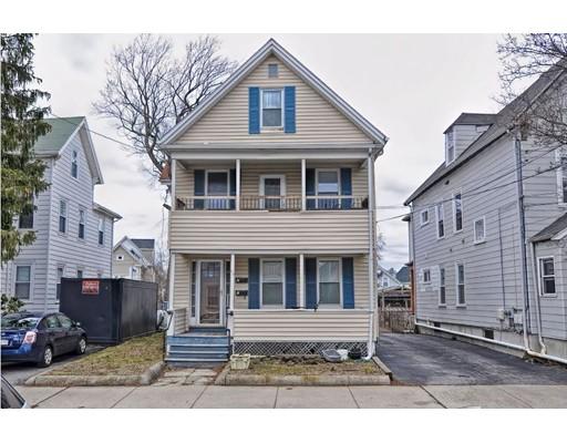 多户住宅 为 销售 在 29 Watts Street 莫尔登, 马萨诸塞州 02148 美国