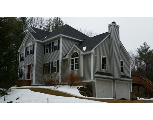 10 Bayberry St, Pepperell, MA 01463