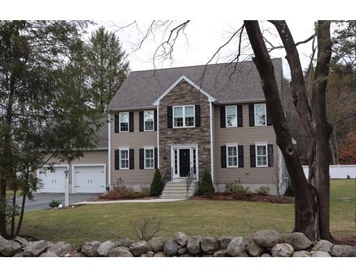 Частный односемейный дом для того Продажа на 32 Stratton Lane Foxboro, Массачусетс 02035 Соединенные Штаты