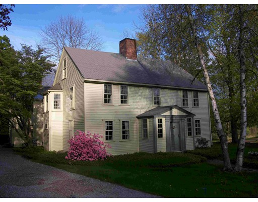 Single Family Home for Sale at 19 South Main Street 19 South Main Street Petersham, Massachusetts 01366 United States