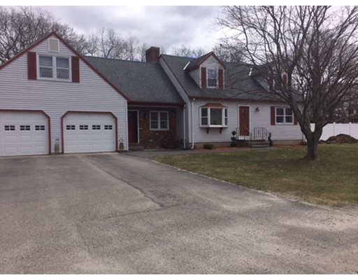 Single Family Home for Sale at 13 Farm Street Blackstone, Massachusetts 01054 United States