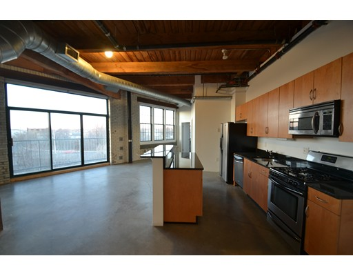 Single Family Home for Rent at 43 Charlton Everett, Massachusetts 02149 United States