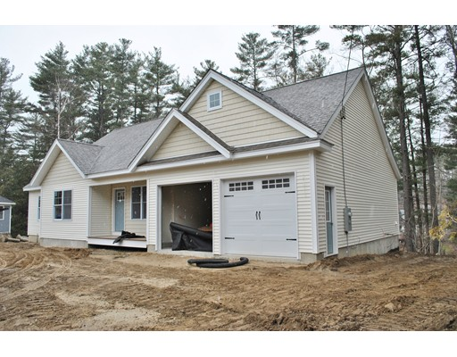 Single Family Home for Sale at 7 Monica Drive Nashua, New Hampshire 03062 United States