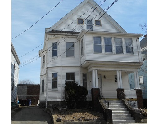 Casa Multifamiliar por un Venta en 20 Fairlawn Street Everett, Massachusetts 02149 Estados Unidos