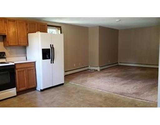 独户住宅 为 出租 在 80 West Main Street Ware, 马萨诸塞州 01082 美国