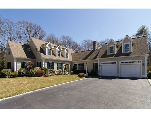 Single Family Home for Sale at 3 Bridle Path Walpole, Massachusetts 02081 United States