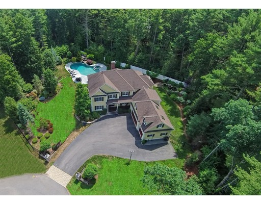 Частный односемейный дом для того Продажа на 7 Chippewa Lane Sharon, Массачусетс 02067 Соединенные Штаты