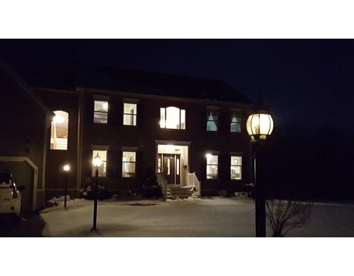 Casa Unifamiliar por un Venta en 64 Middleboro Road Freetown, Massachusetts 02717 Estados Unidos