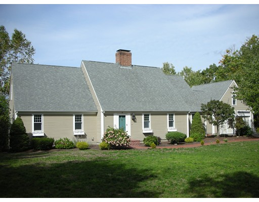 110 Kettle Hole Rd, Bolton, MA 01740