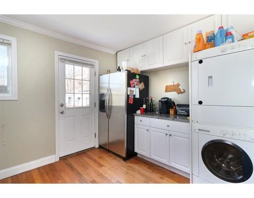 Apartamento por un Alquiler en 125 G St #3 125 G St #3 Boston, Massachusetts 02127 Estados Unidos
