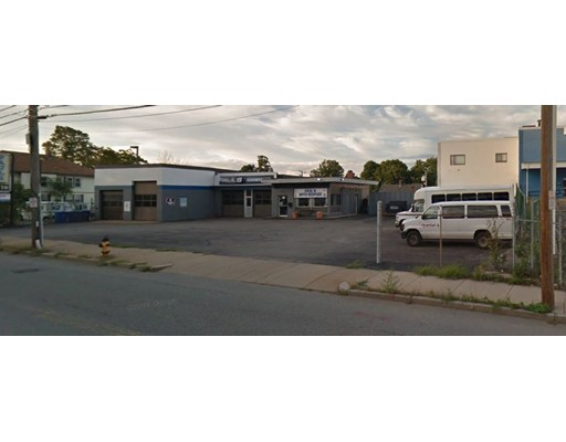 Commercial for Sale at 152 High Street Waltham, Massachusetts 02453 United States
