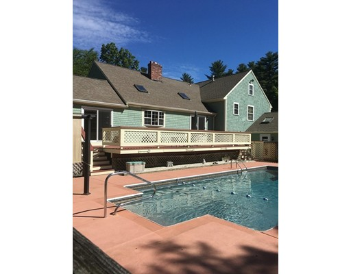 Single Family Home for Sale at 4 Allen Road Rochester, Massachusetts 02770 United States