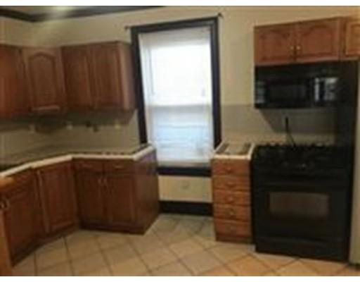 Casa Unifamiliar por un Alquiler en 20 Moreland Boston, Massachusetts 02119 Estados Unidos