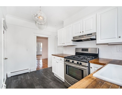 Townhome / Condominium للـ Rent في 6 Bartlett Street 6 Bartlett Street Boston, Massachusetts 02129 United States