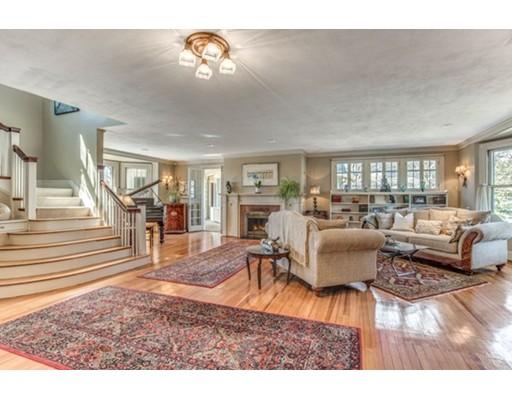 Частный односемейный дом для того Продажа на 68 Prospect Street Melrose, Массачусетс 02176 Соединенные Штаты