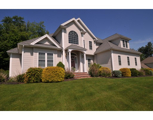 Single Family Home for Sale at 4 Patriot Lane Hudson, Massachusetts 01749 United States
