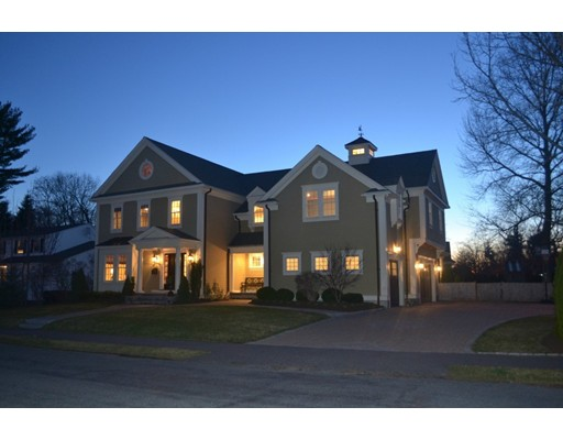 Casa Unifamiliar por un Venta en 7 EATON Road Needham, Massachusetts 02492 Estados Unidos