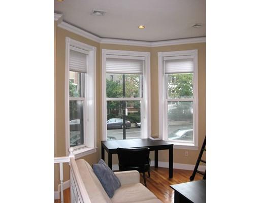 Casa Unifamiliar por un Alquiler en 341 Beacon Street Boston, Massachusetts 02116 Estados Unidos