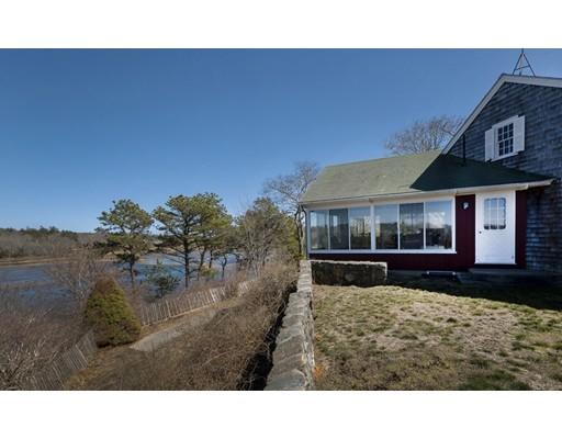 Maison unifamiliale pour l Vente à 7 Marshall Lane Truro, Massachusetts 02666 États-Unis