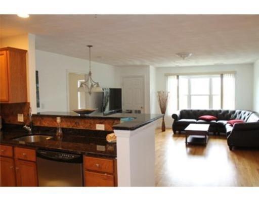 独户住宅 为 出租 在 51 Pearl Street 莫尔登, 02148 美国